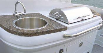 crownline-boats-eclipse-e-e285-grill